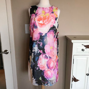 NWT Vince Camuto floral cocktail dress